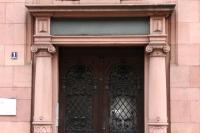 Tür-unsaniert